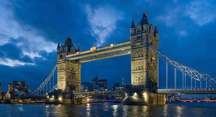 Tower Bridge by Diliff